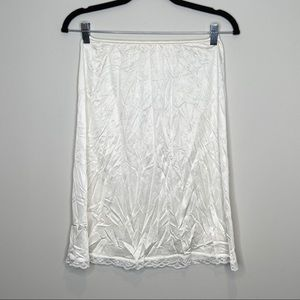 Women's crea slip skirt Sz M
